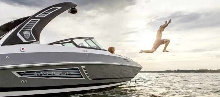Regal Boote in Deutschland kaufen. Hier: Regal 24 FasDeck RX
