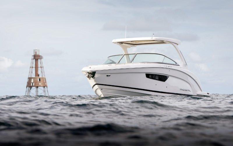 Regal Outboard 33 OBX Bild 1
