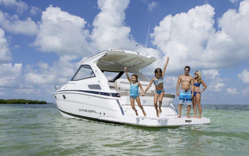 Regal Sport Yacht 35 Sport Coupe Bild 1