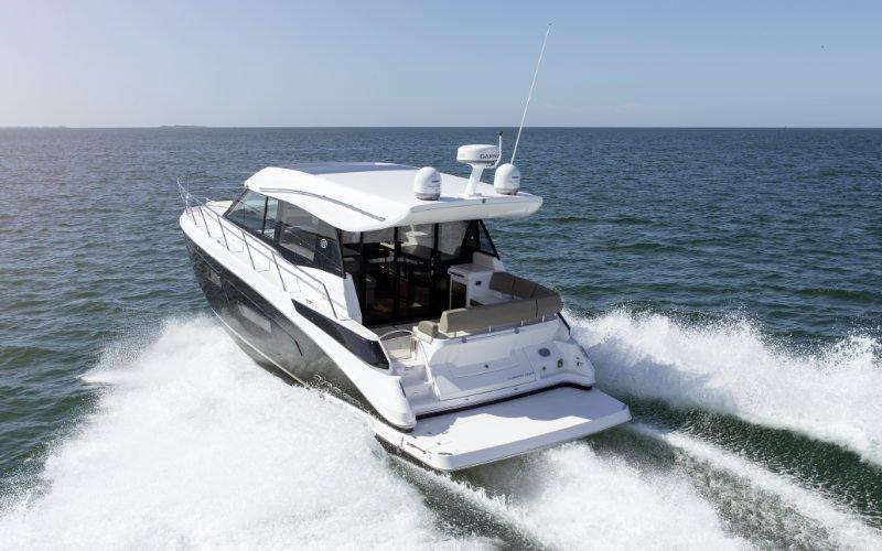 Regal Sport Yacht 42 Grande Coupe Bild 2