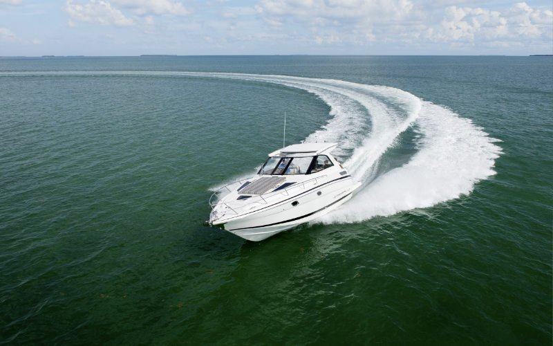 Regal Sport Yacht 35 Sport Coupe Bild 4