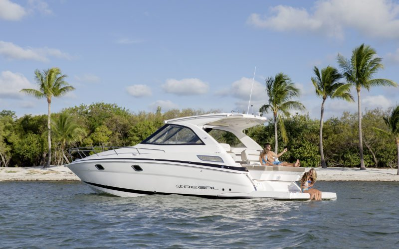 Regal Sport Yacht 35 Sport Coupe Bild 5