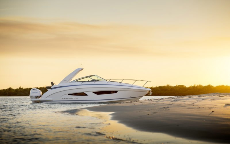 Regal Outboard 33 XO Bild 7