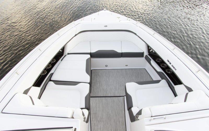 Regal Outboard 33 OBX Bild 7