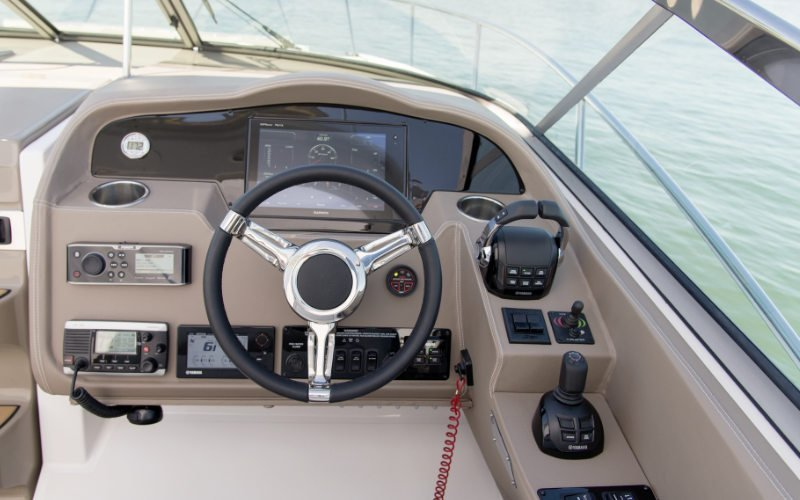 Regal Outboard 33 XO Bild 8