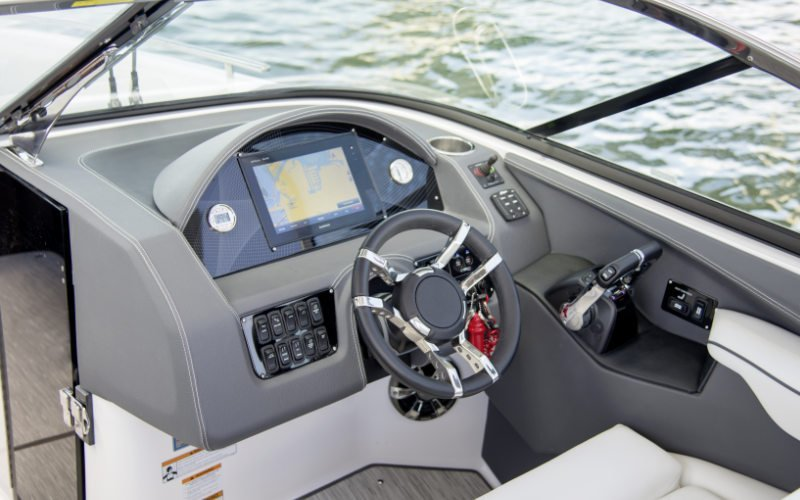 Regal Outboard 29 OBX Bild 8