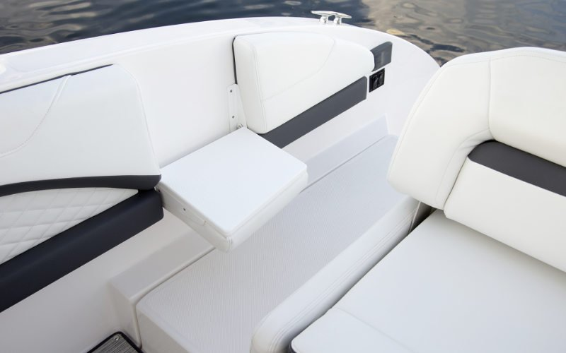 Regal Outboard 33 OBX Bild 8