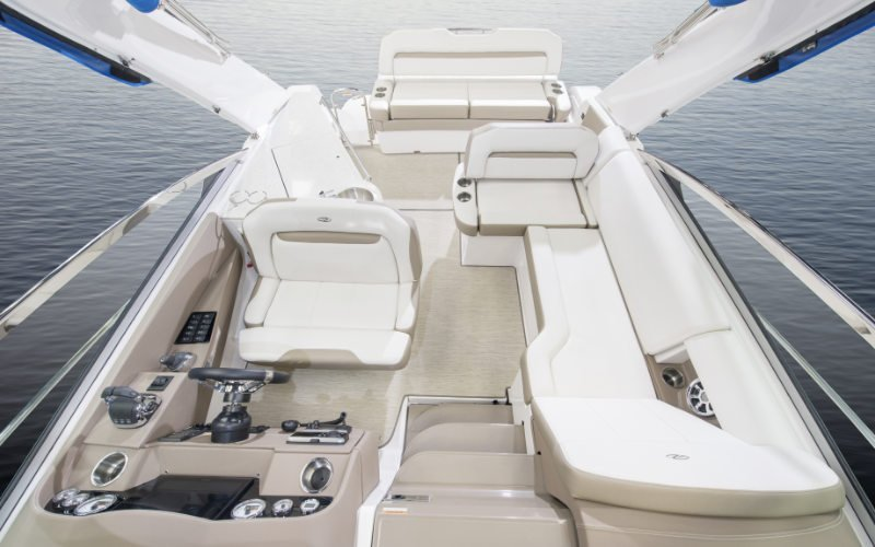 Regal Outboard 33 XO Bild 10
