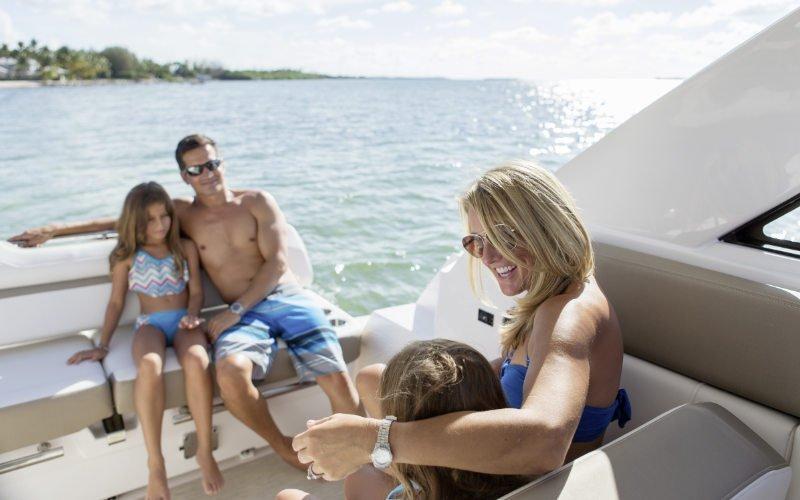 Regal Sport Yacht 35 Sport Coupe Bild 14